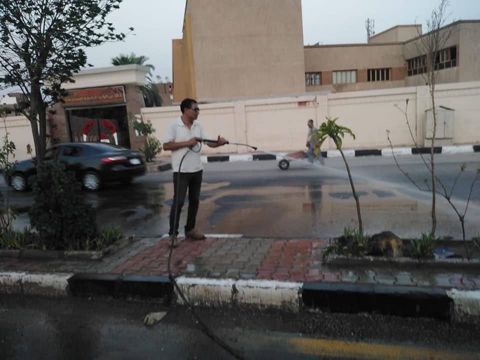 نظافة كبرى بشوارع حى جنوب الأقصر ورفع أكوام القمامة  (1)