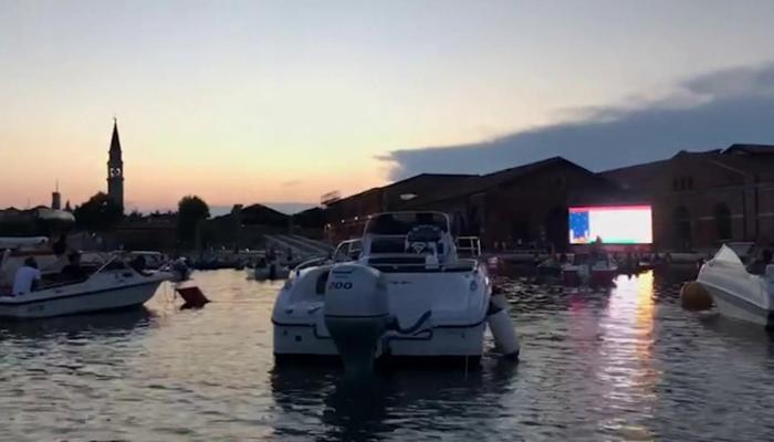 173-200035-cinema-italy-venezia-boats_700x400