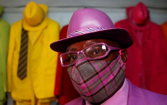 مصمم الأزياء الكيني جيمس ماينا موانجي