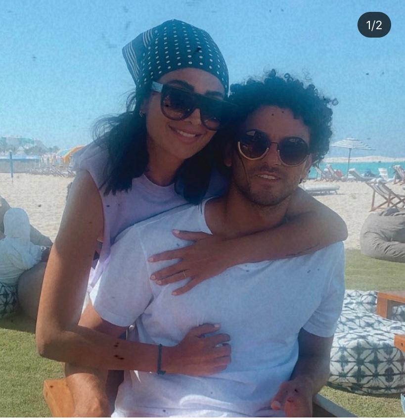 حسام غالى و زوجته