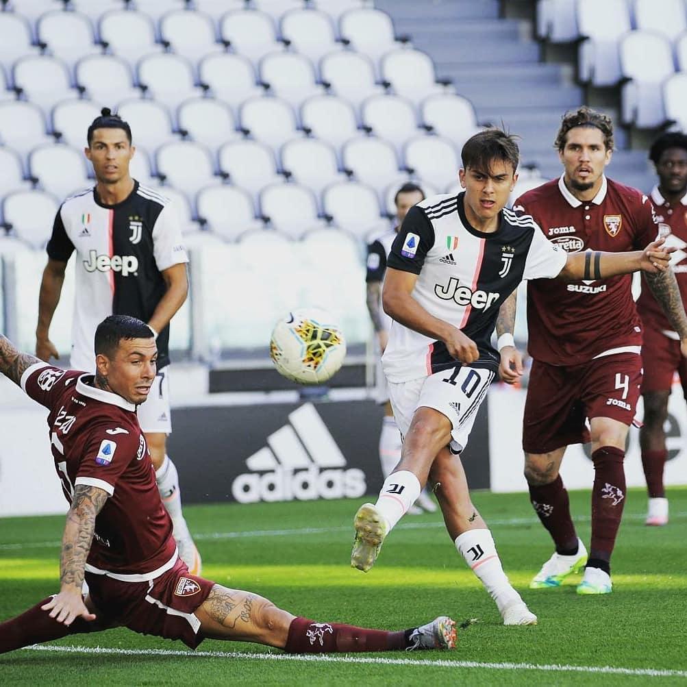 لحظة تسجيل ديبالا هدفه
