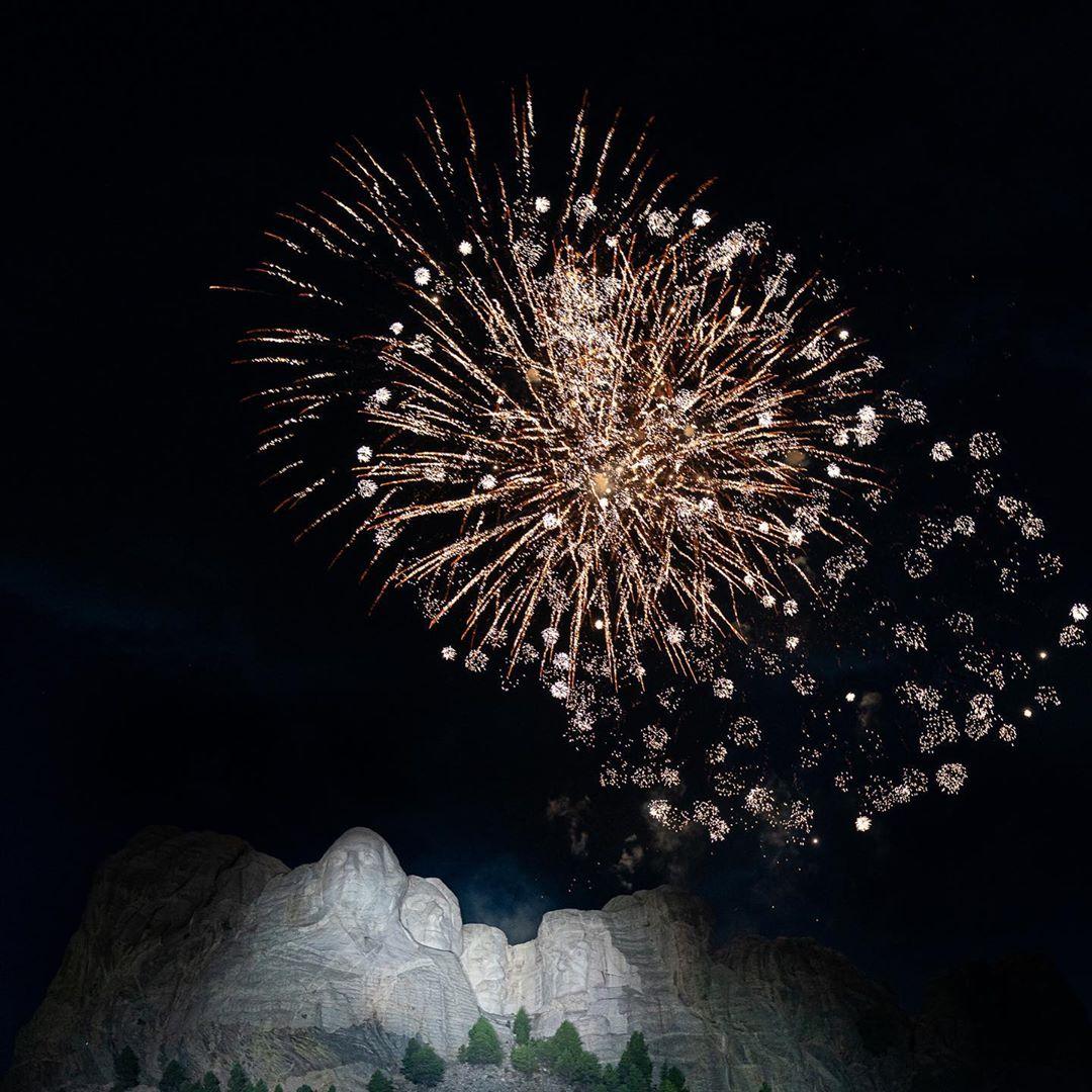 ميلانيا ترامب في عيد الاستقلال (2)