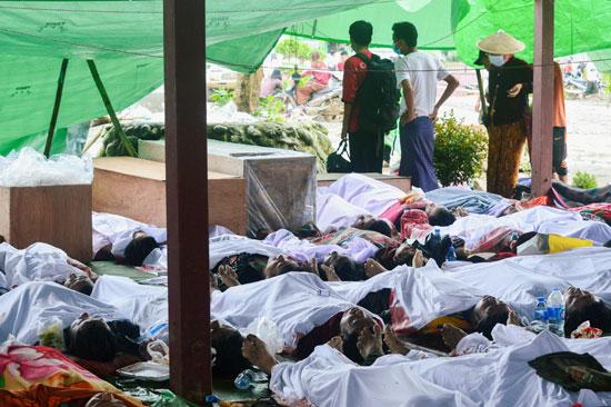 جثامين الضحايا والحسرة والحزن على وجوه المحيطين