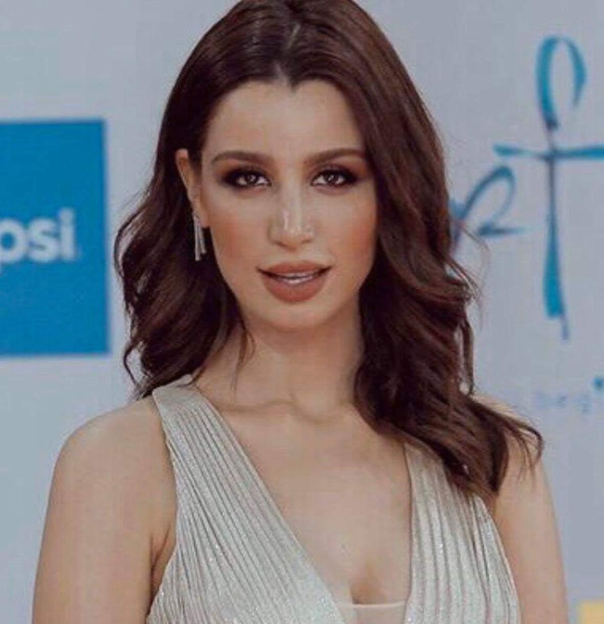 سارة التونسى (2)