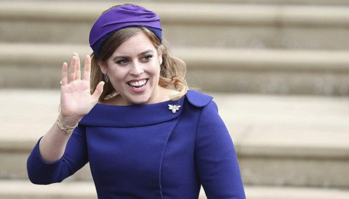 135-185718-family-royal-harry-leave-italy-princess-beatrice_700x400