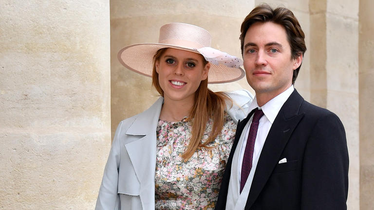 135-185719-family-royal-harry-leave-italy-princess-beatrice-4