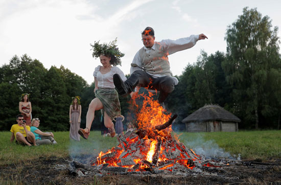 القفز للأعلى فوق النيران