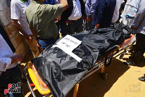وصول جثمان رجاء الجداوي (18)