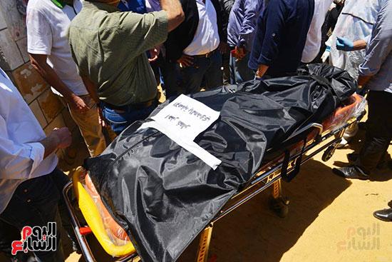 وصول جثمان رجاء الجداوي (19)