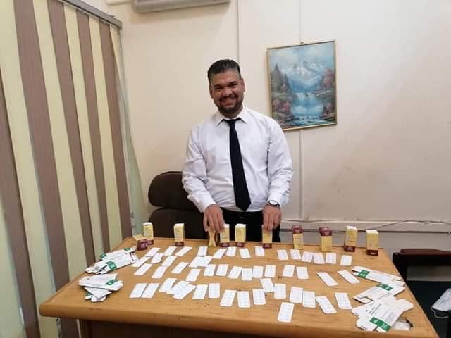 جمارك مطار القاهرة تحبط محاولة تهرب 500 قرص مخدر (2)