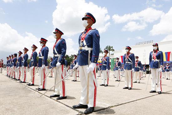 احتفالات عسكرية خلال عيد الاستقلال