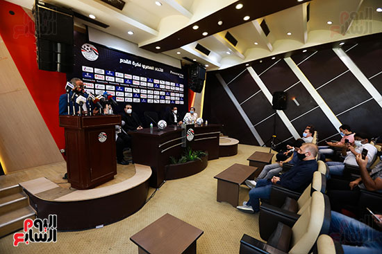 اتحاد الكرة يعلن عن الكرة الموحدة لمباريات الدورى الموسم الجارى (10)
