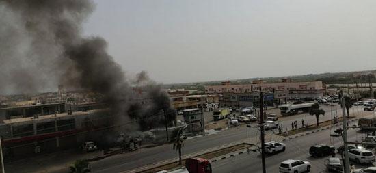 مدنى جازان يخمد حريقا ضخما اندلع فى محال ومركبات