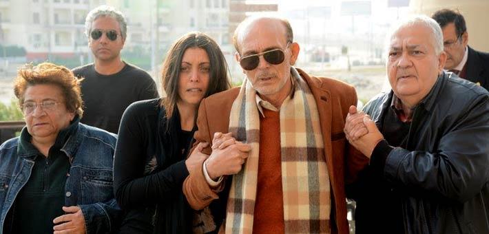 بكاء محمد صبحى فى جنازة زوجته