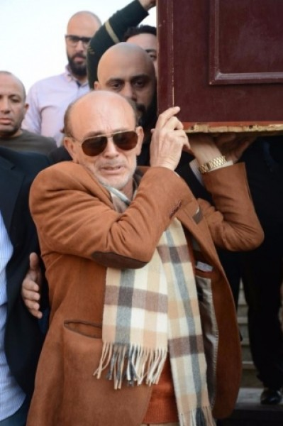 بكاء محمد صبحى على زوجته