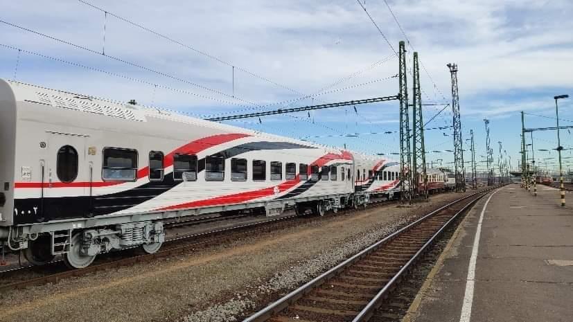 السكة الحديد تدرس تشغيل قطارات مكيفة لأول مرة على خطوط الضواحى (4)