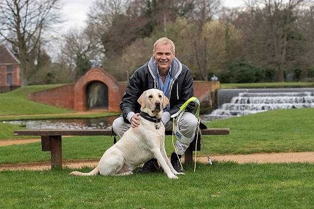 بول والكلب