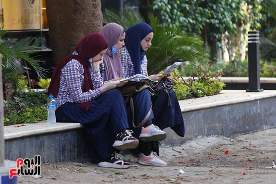 طلاب الثانوية العامة  (10)