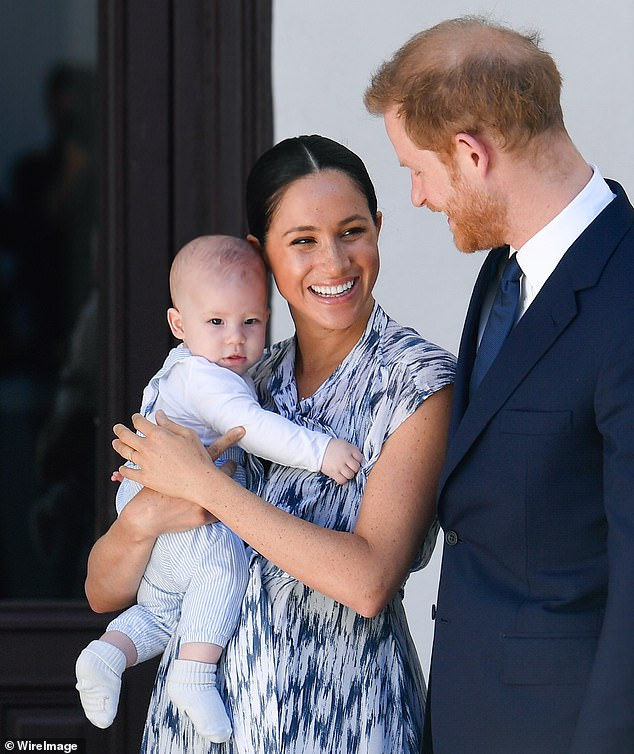 30305424-8490787-Meghan_Markle_38_and_Prince_Harry_s_35_son_Archie_Harrison_one_i-a-58_1593909094022