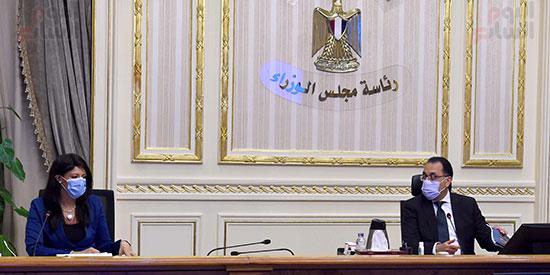 رئيس الوزراء يتابع مع وزيرة التعاون الدولى ملفات عمل الوزرا ة تصوير سليمان العطيفى (1)