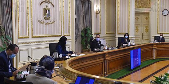 رئيس الوزراء يتابع مع وزيرة التعاون الدولى ملفات عمل الوزرا ة تصوير سليمان العطيفى (4)