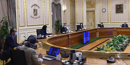 رئيس الوزراء يتابع مع وزيرة التعاون الدولى ملفات عمل الوزرا ة تصوير سليمان العطيفى (5)
