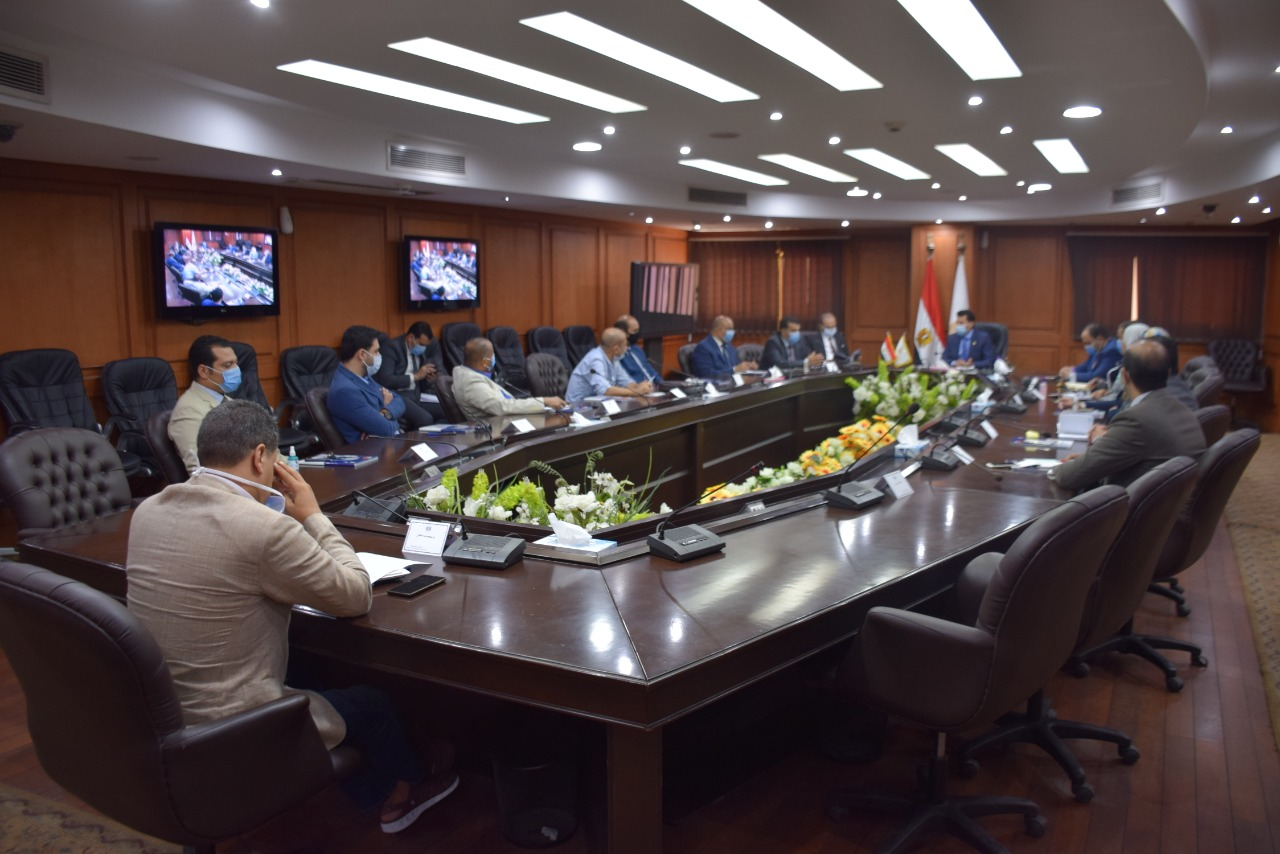 اجتماع الوزير مع مجلس مراكز الشباب