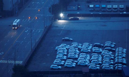 توقف السيارات المستوردة فى الميناء