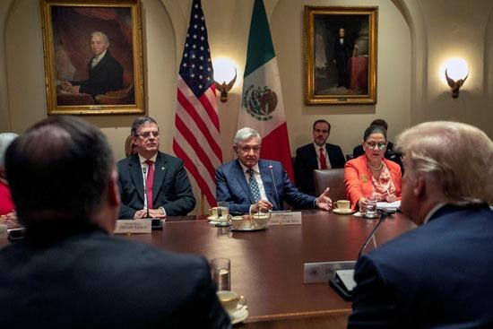 مفاوضات بين الوفد المكسيكى وأعضاء إدارة ترامب