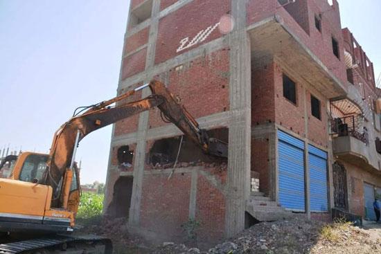 مخالفات البناء تطيح بأبراج الأحلام فى المحافظات (2)