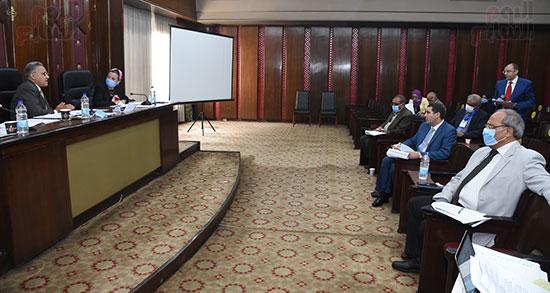 اللجنة البرلمانية المشتركة من الطاقة والبيئة بمجلس النواب (6)