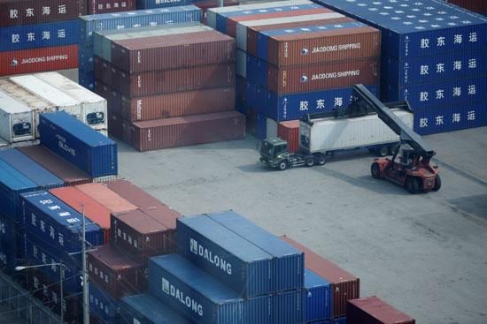 تكدس الحاويات فى ميناء بكوريا الجنوبية