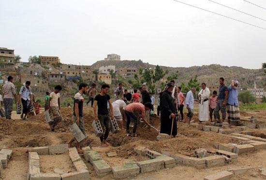 توسيع المقابر الجماعية بسبب كورونا