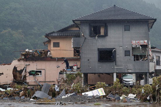 تضرر منزل جراء الأمطار الغزيرة