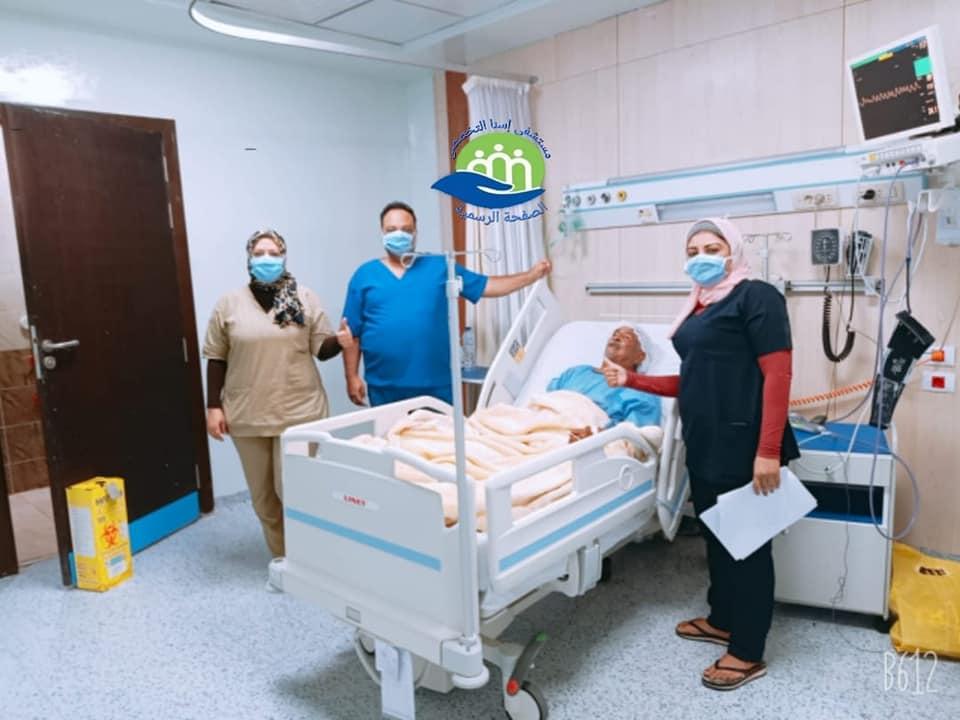خروج 13 حالة شفاء من كورونا بمستشفى إسنا للحجر الصحى (4)
