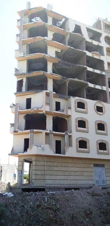 مخالفات البناء تطيح بأبراج الأحلام فى المحافظات (7)