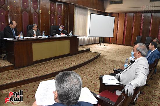 اللجنة البرلمانية المشتركة من الطاقة والبيئة بمجلس النواب (7)