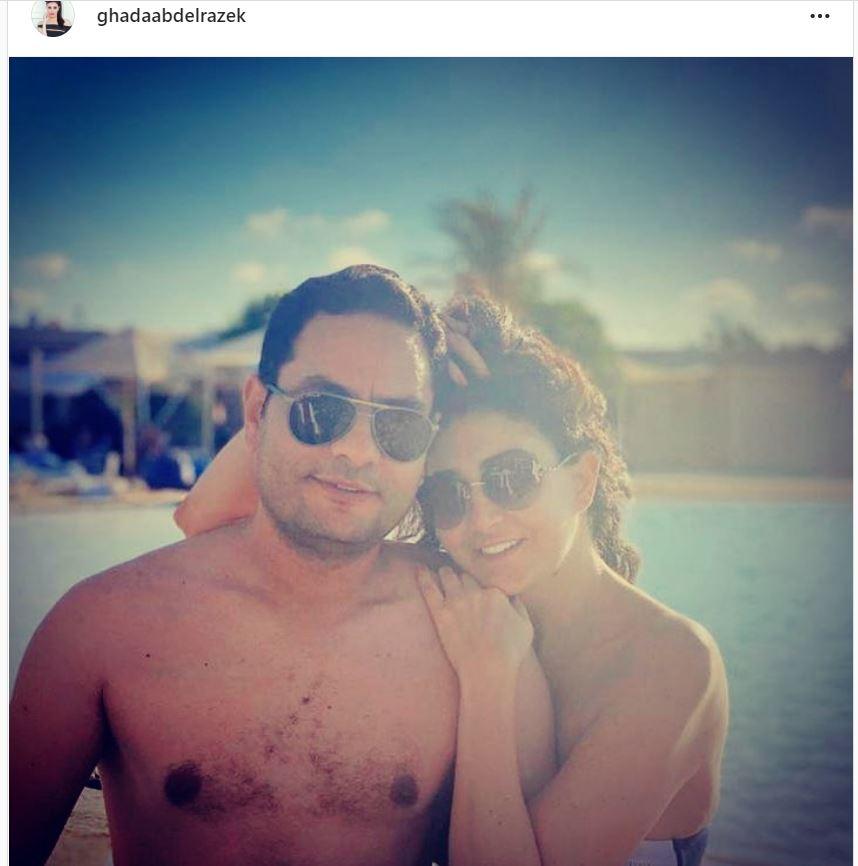 غادة عبد الرازق مع زوجها