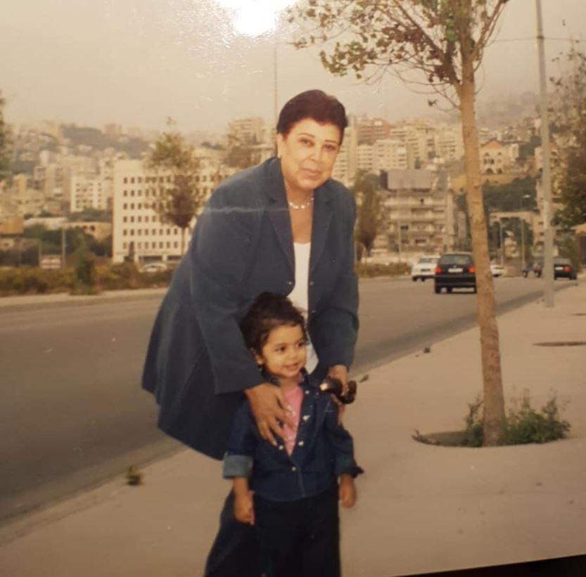رجاء الجداوي مع حفيدتها روضة هندي (4)