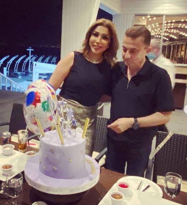 الفنانة أروى مع زوجها في عيد ميلادها (3)