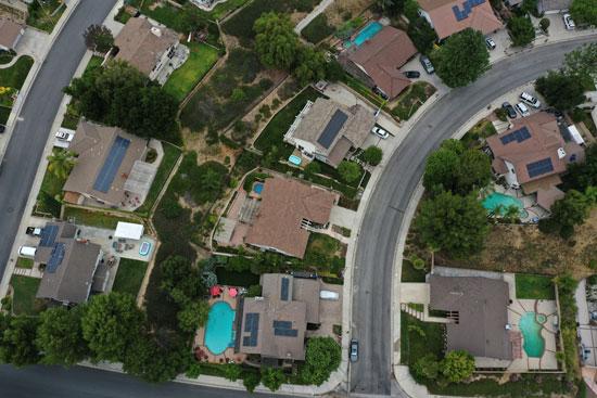 محطات الطاقة الشمسية على أسطح المنازل