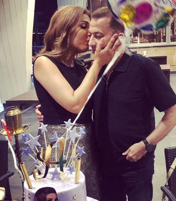 الفنانة أروى مع زوجها في عيد ميلادها (1)