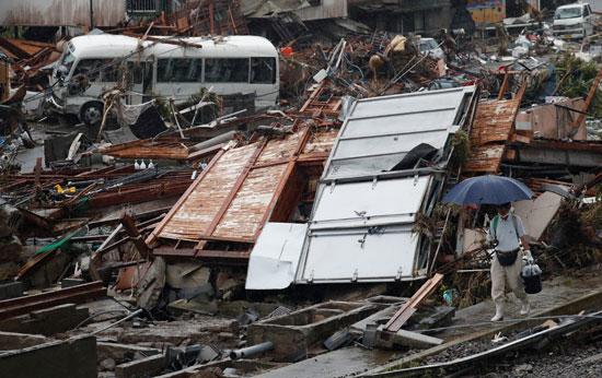 آثار الفيضانات فى اليابان
