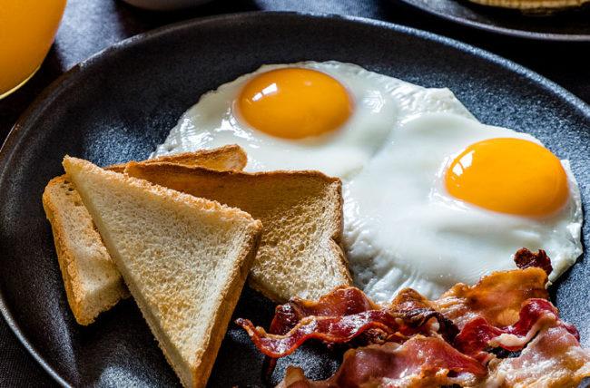 هل تناول البيض يزيد أعراض متلازمة القولون العصبي اليوم السابع