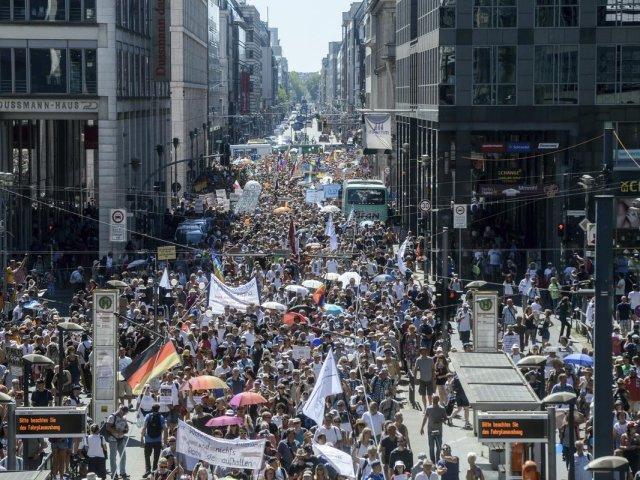 تظاهرات ضد كورونا