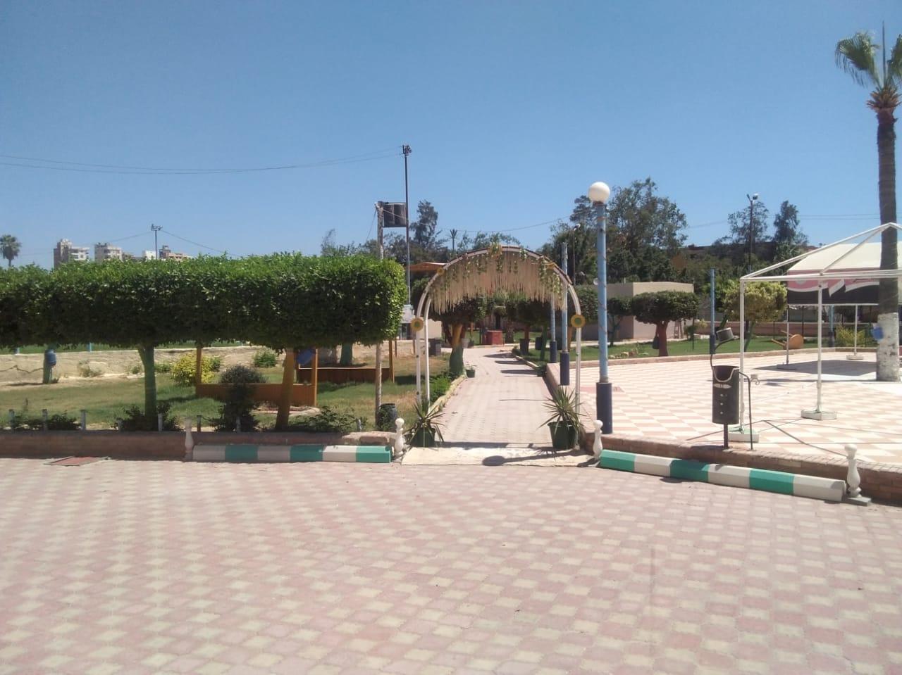 خلو حدائق ومتنزهات كفر الشيخ من المواطنين (3)