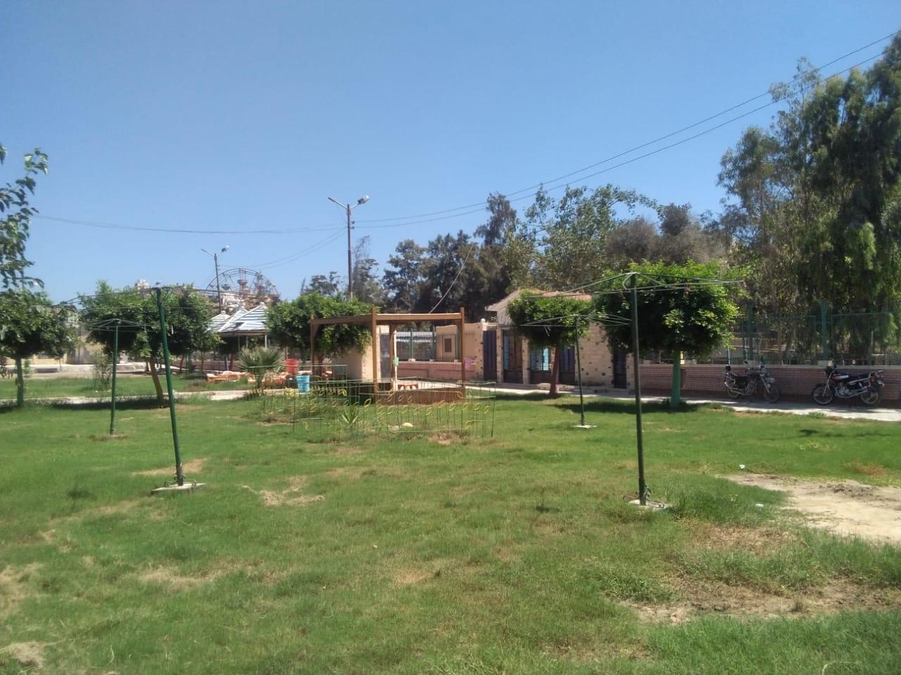 خلو حدائق ومتنزهات كفر الشيخ من المواطنين (5)
