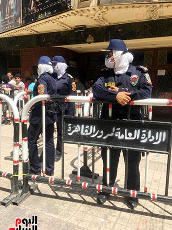 الشرطة النسائية تؤمن سينمات وسط البلد