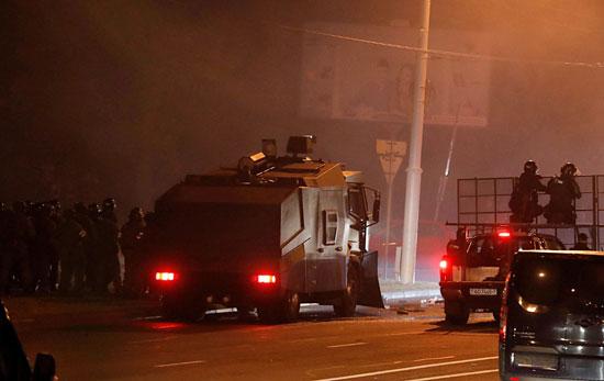 حرب شوارع بين الأمن والمعارضة (1)