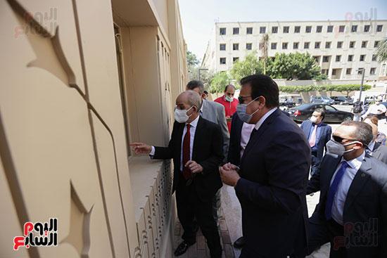 وزير العالي يتفقد مكاتب التنسيق